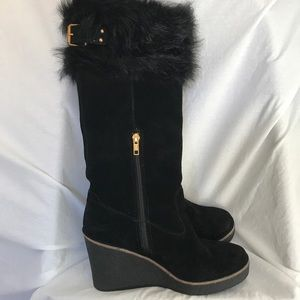 NEW NWOT/NWT? Black UGG Valberg Suede Wedge Boots